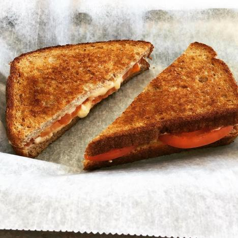Grilled Cheese & Tomatoes
