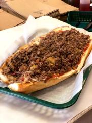 Cheesesteak w. mushroom & hot peppers